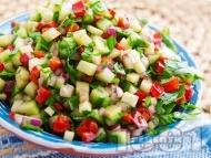 Кълцана салата с краставица и червени чушки
